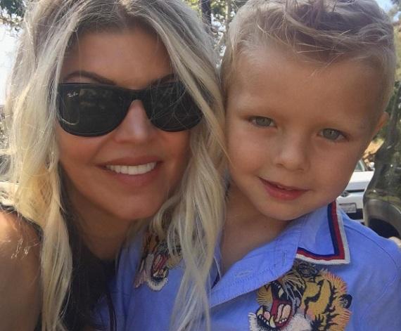 Fergie és a kisfia, Axl