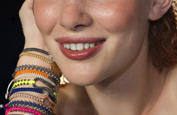 Az ínykontúrral nemcsak szebb mosolyt érünk el - egészségügyi problémát is orvosolhat