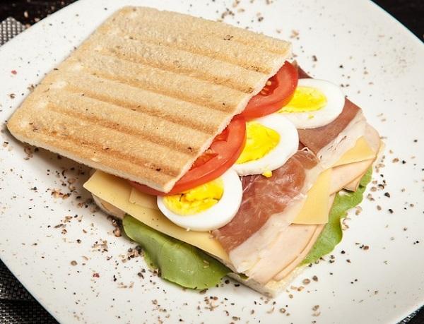 Egy jó szendvicsben minden tápanyag megvan, amire fogainknak szüksége lehet