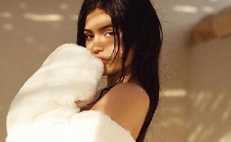 Kylie Jenner elszigetelte magát?