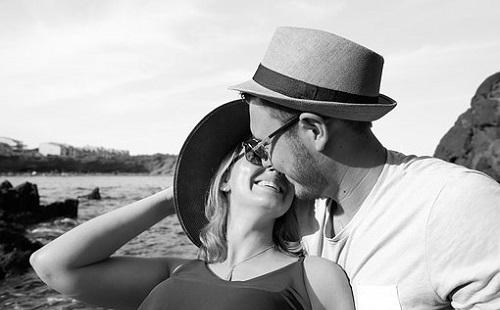 Kiderült a csókolózás oka?