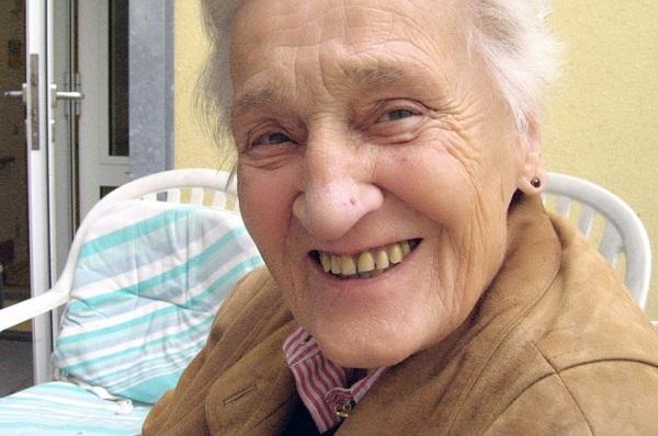A fogakra idős korban is vigyázni kell - megfelelő pótlással szép fogsor érhető el