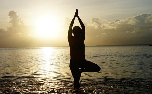 Szívbetegség ellen jóga plusz aerobik?