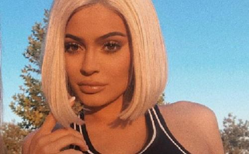 """Kylie Jenner """"babavárás tanácsadót"""" alkalmaz"""