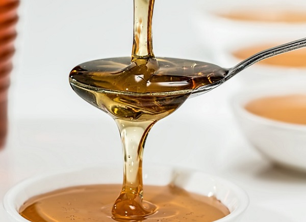 Egy teáskanálnyi mézzel könnyedén maszkot készíthetünk arcunkra
