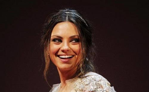 Mila Kunis nem vesz ajándékot gyerekeinek