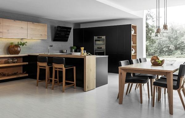 A konyha, nappali és az étkező megfelelő méretű térben mutat jól külön