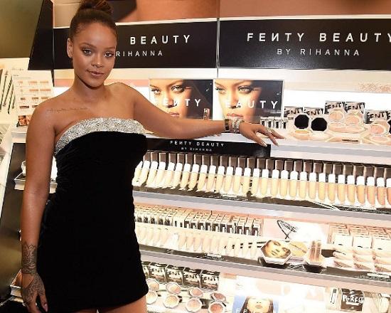 Előállt a Fenty Beauty - Rihanna büszke saját sminktermékeire