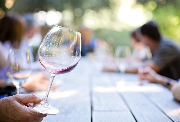 Ki kell alakítani a magyar bor egységes kommunikációját
