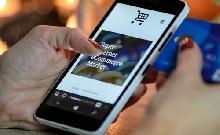 Csuklónk bánja az okostelefonok használatát