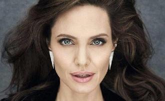 Angelina Jolie férjhez menne