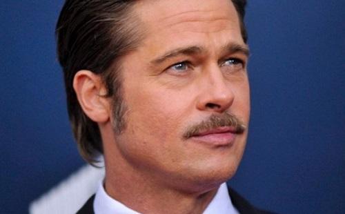 Brad Pitt minden héten terápiára jár