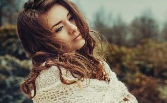 4 jel, hogy a stressz már a hajadat is érinti!