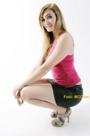 Elekes Enikő az MCOnet különdíjasa a Miss Alpok Adria Békés megyei versenyén 3/1