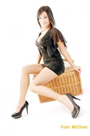 Kohári Nikolett az MCOnet különdíjasa a Miss Alpok Adria Fejér megyei versenyén 3/1