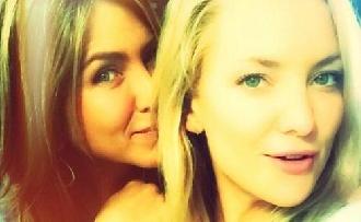 Kate Hudson és Jennifer Aniston legjobb barátnők lettek